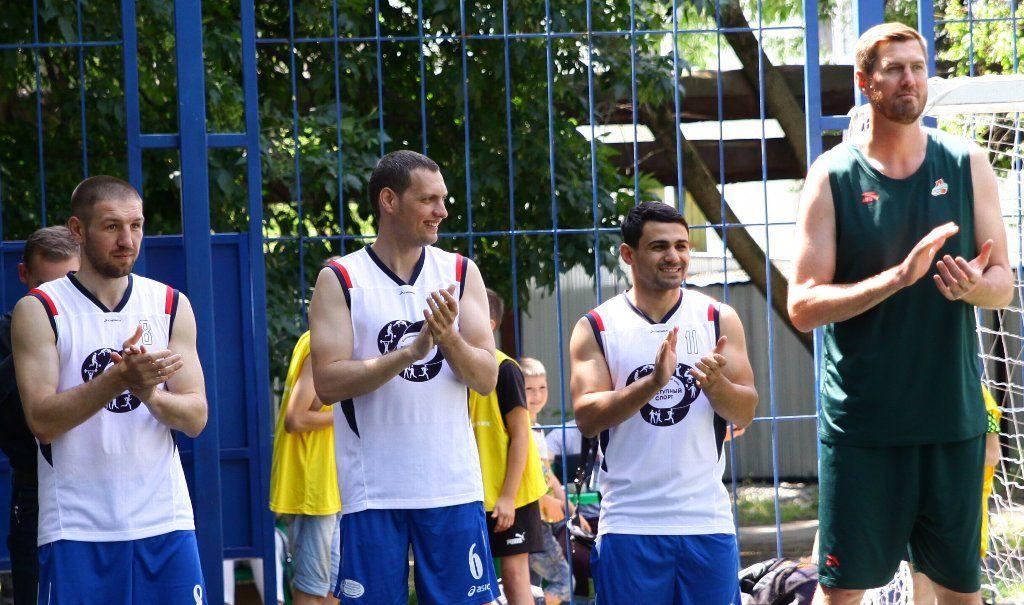 Баскетбольный матч среди детсадовцев и игру звезд провели в Краснодаре